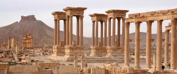 """""""داعش"""" يدمر آثاراً جديدة في مدينة تدمر الأثرية.. بعضها بُنيت بالغرانيت المصري"""