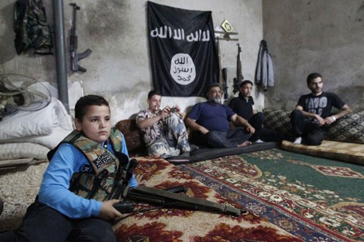 الحركات السلفية في الثورة السورية: الشبكات العابرة للحدود في مواجهة الوقائع المحلية