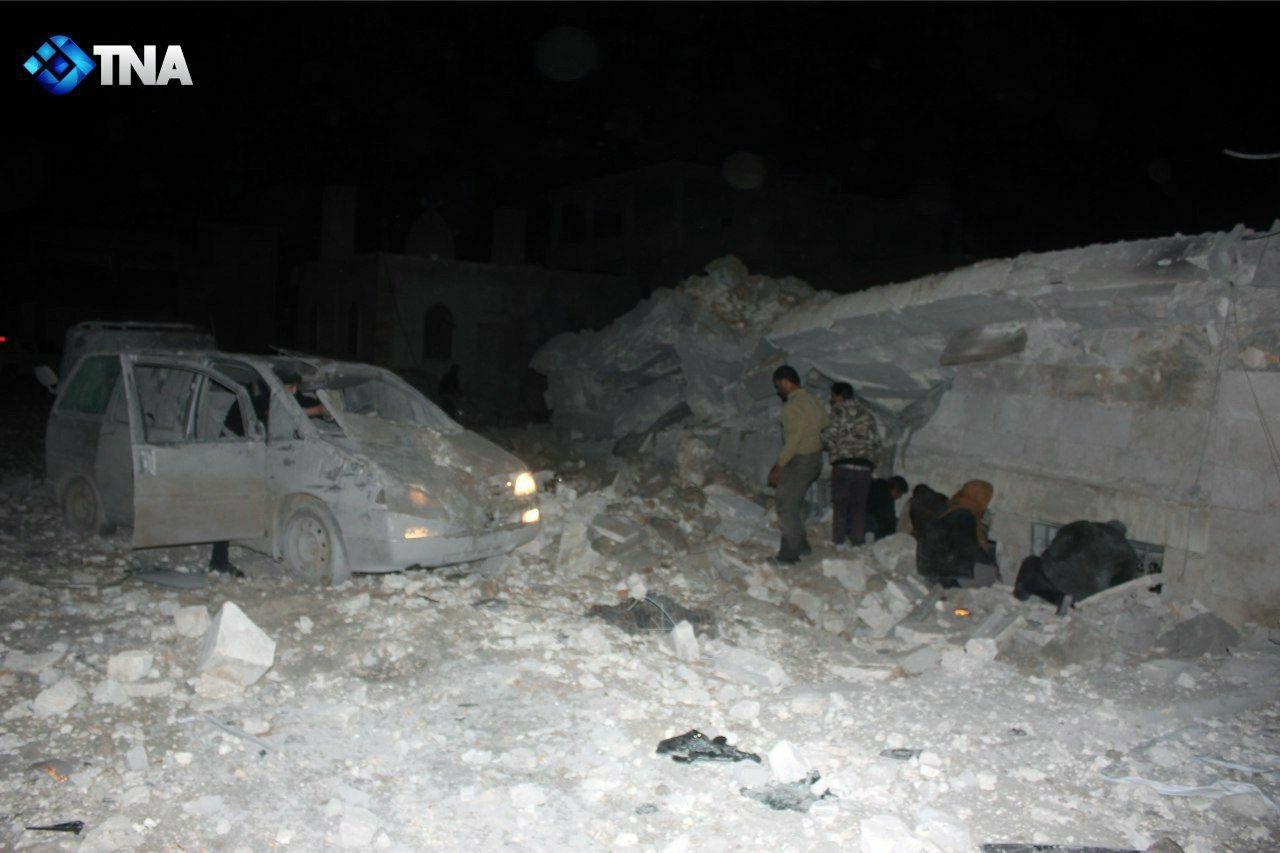 التحالف يستهدف مسجداً ويرتكب مجزرة في ريف حلب الغربي.