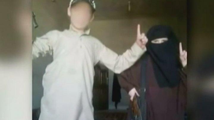 الحكومة الفرنسية تطلق مخططا لإدماج أبناء الجهاديين العائدين إلى أراضيها