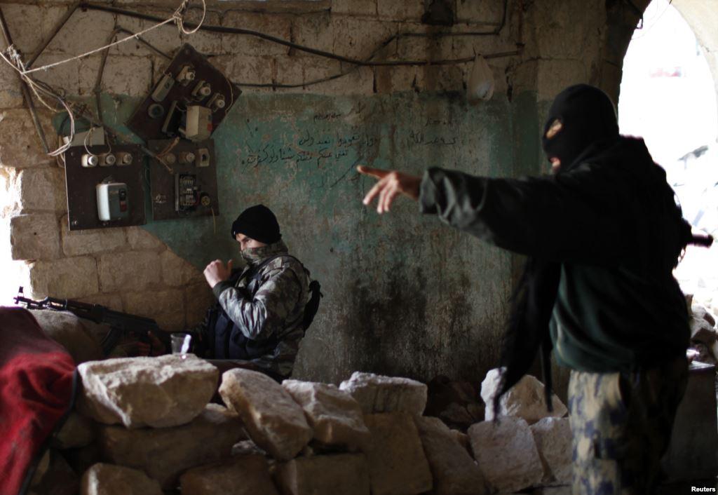 """تنظيم """"داعش"""" يشنّ هجوماً متعدد المحاور لفك الحصار عن الطبقة"""
