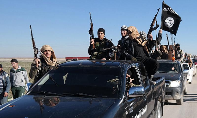 ناشطون: تقدمٌ لتنظيم داعش في أحياء دير الزور