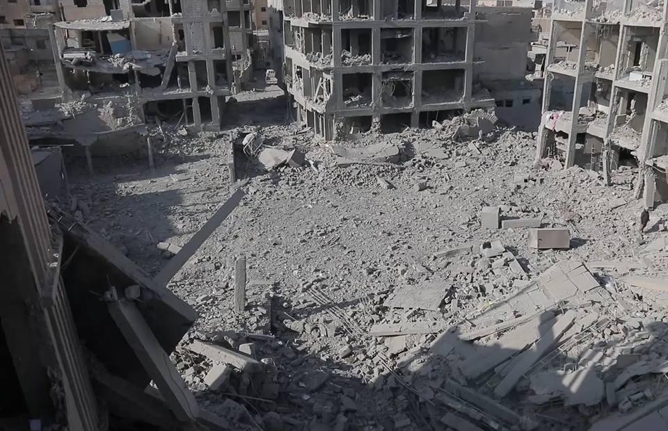 داعش يستخدم آخر أسلحة الموت لديه، وقسد تخترق قلب المدينة