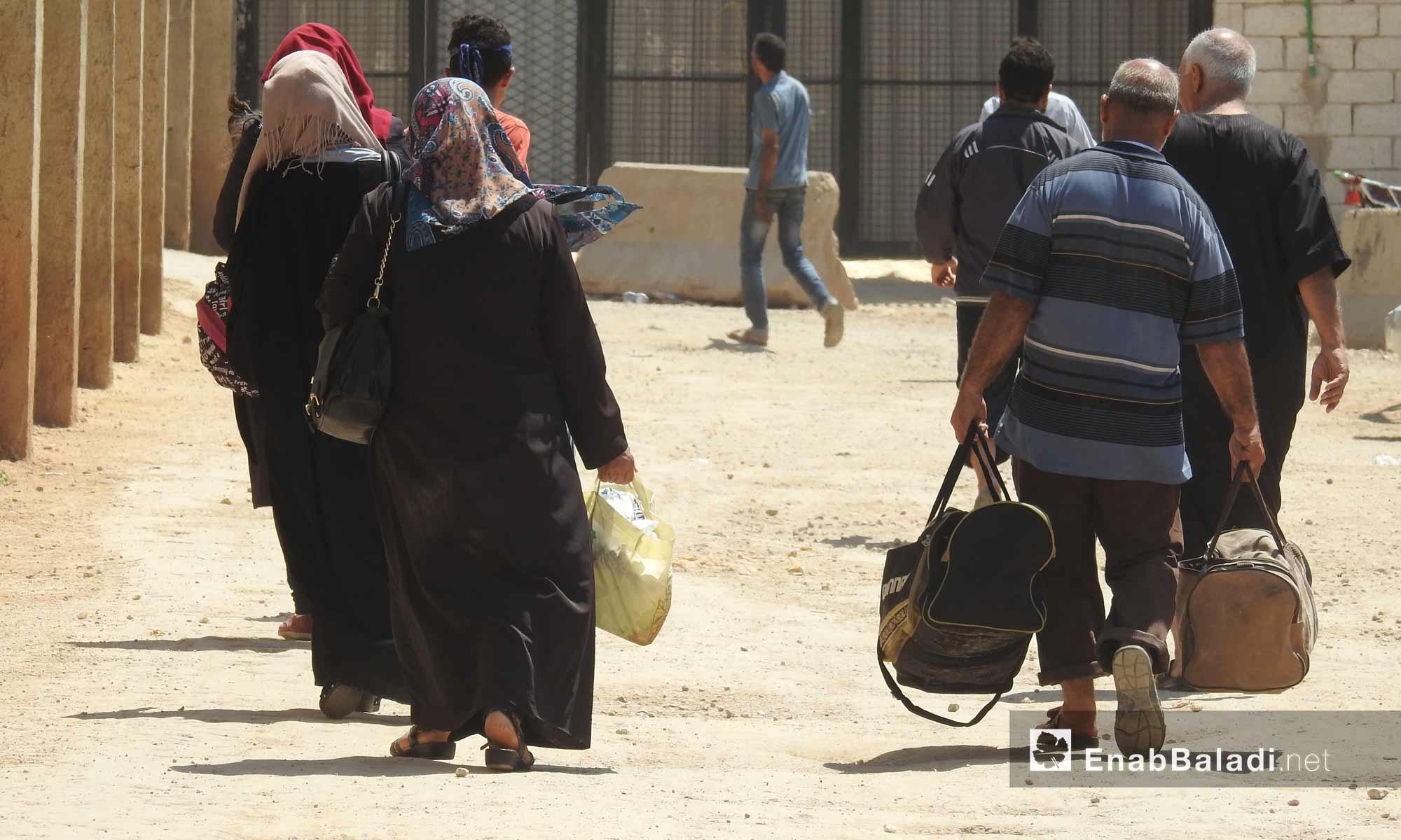 15 ألف سوري يعودون إلى شمال حلب لقضاء إجازة العيد