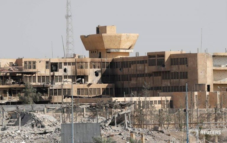 داعش يخترق في معارك الرقة وقتلى في صفوف الميليشيات المهاجمة