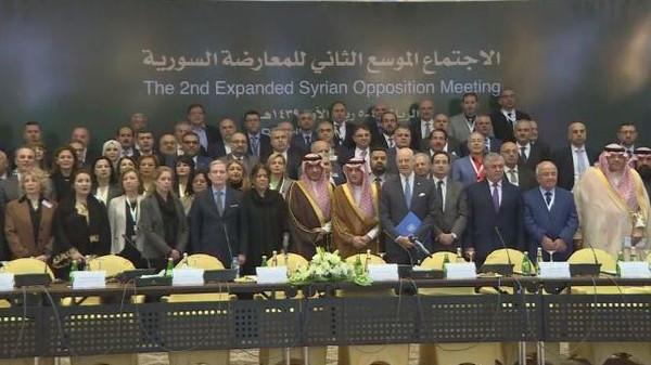 قوى المعارضة السورية تتفق على إرسال وفد موحد إلى جنيف