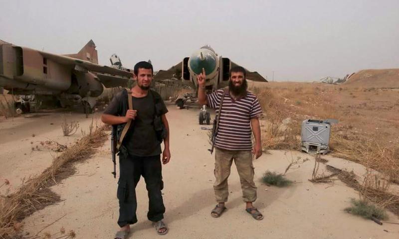 """تنظيم داعش يدخل خط المواجهات نحو مطار """"أبو الظهور"""""""