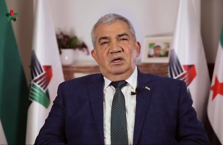 رئيس الائتلاف السوري يستقيل من منصبه.. لهذا السبب