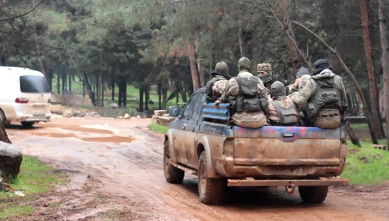 """""""التركستاني"""" يقلب موازين القوى في اقتتال إدلب"""