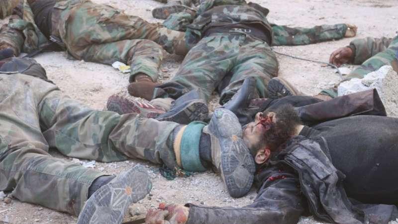 داعش تعدم عنصرين من فرع الأمن العسكري جنوب دمشق (صور)