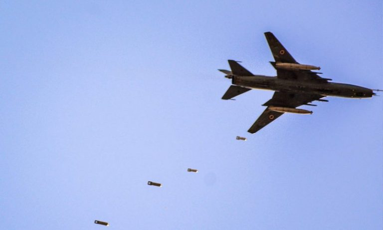 مقتل 64 مدنيًا على يد النظام وروسيا منذ الضربة الأمريكية