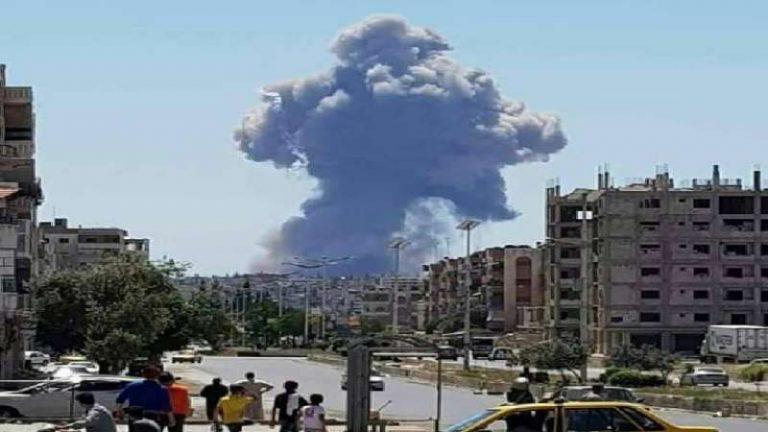 انفجارات ضخمة تهز مطار حماة العسكري (فيديو + صور)
