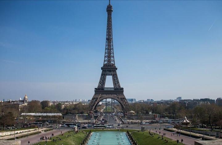 هجوم بسكين وسط باريس يوقع قتيلا و8 جرحى