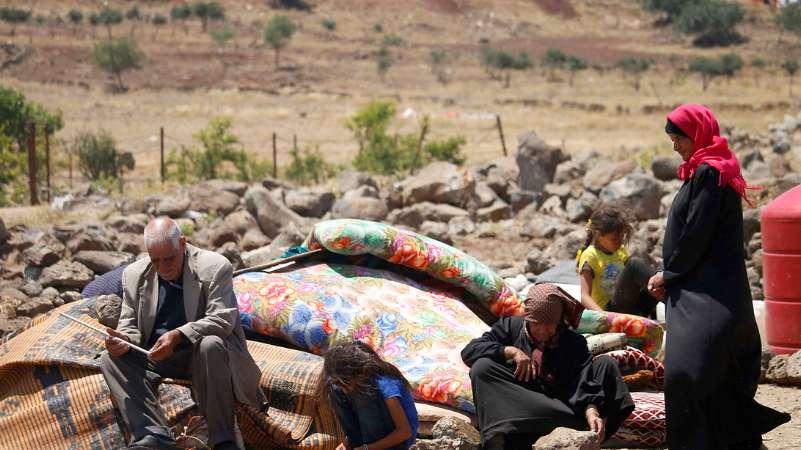 ميليشيات أسد الطائفية تستهدف النازحين قرب الحدود الأردنية