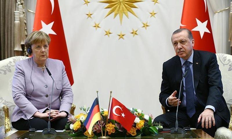 """بعد إنهاء حالة الطوارئ.. ألمانيا ترفع العقوبات """"الرمزية"""" عن تركيا"""