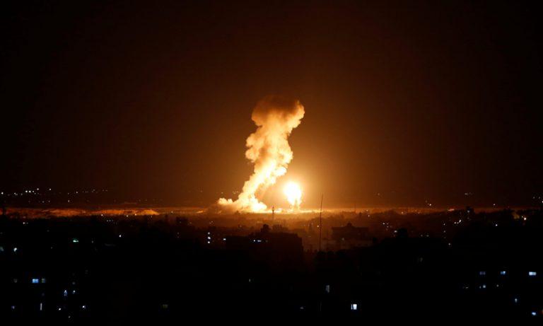 قصف صاروخي يستهدف مواقع عسكرية جنوبي سوريا (فيديو)