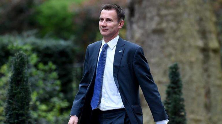 وزير خارجية بريطانيا: بشار الأسد سيبقى لبعض الوقت