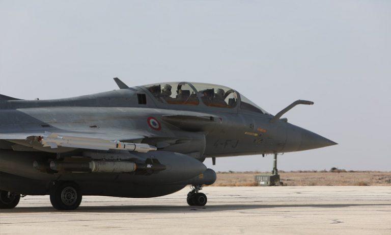 """فرنسا تعلن إرسال طائرات """"رافال"""" إلى سوريا"""