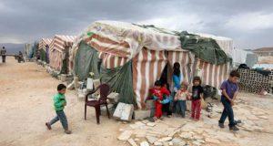 هجوم بالأسلحة النارية والسكاكين على مخيم للاجئين السوريين في لبنان