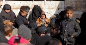 عائلات الأجانب تفر من آخر جيب لتنظيم داعش