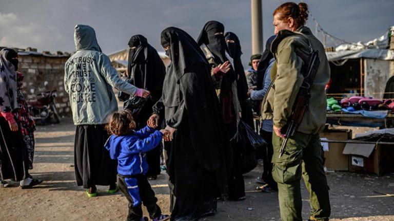قتلى نساء من داعش بمخيم الهول في الحسكة