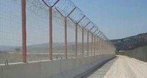 تركيا تعزز حدودها مع إدلب لمنع تدفق اللاجئين إلى أراضيها