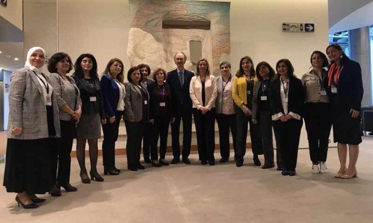 30% من قائمة اللجنة الدستورية السورية نساء.. تعرف إليهن