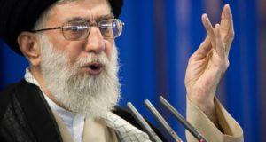 """خامنئي يسمي الاحتجاجات في إيران """"أعمال تخريب"""" ويحمل الأعداء مسؤوليتها"""