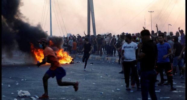 الثوار العراقيون يقطعون بغداد ومدن الجنوب ويصعّدون وتيرة حراك الثورة