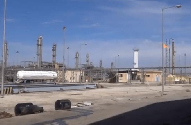 تعزيزات عسكرية للقاعدة الأمريكية بالشدادي وشركة مجهولة تستثمر حقل الغاز