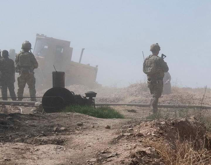 التحالف الدولي يدمر ناقلات نفط متجهة لمناطق سيطرة النظام بريف دير الزور الشرقي