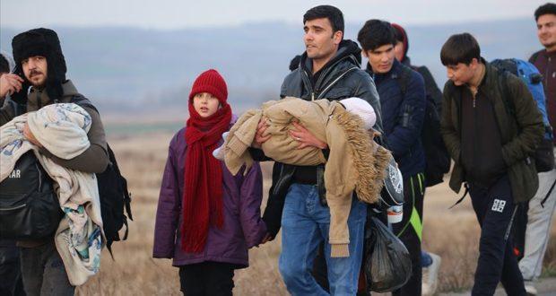 """بعد ضوء أخضر تركي.. سوريون يتدفقون إلى """"أدرنة"""" التركية قاصدين أوروبا"""