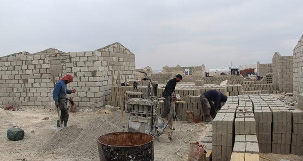 منازل إسمنتية تنوي تركيا بناءها داخل سوريا